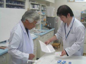 調剤室で薬剤師模擬調剤体験